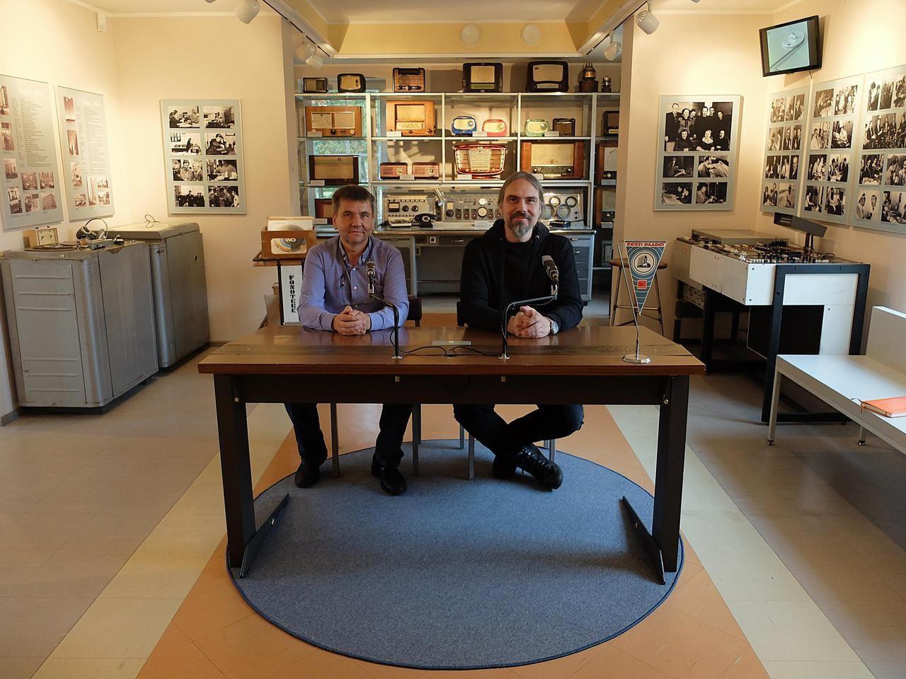 Eesti Ringhäälingumuuseumi direktor Juhan Sihver ja kunstnik Raul Keller. Foto: Maarin Ektermann
